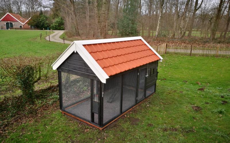 Kippenhok dakbedekking. Kwaliteits dierenverblijven van der Land