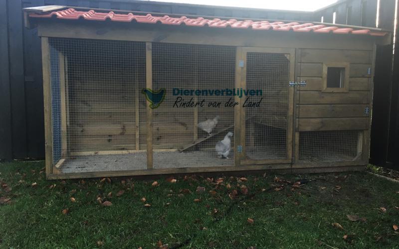 Kippenhok Leeuwarden met dakpannen type B  Kwaliteits dierenverblijven van der Land