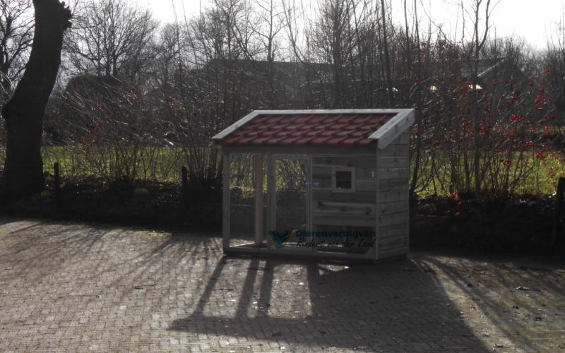 Kippenhok Leeuwarden met dakpannen type E Kwaliteits dierenverblijven van der Land