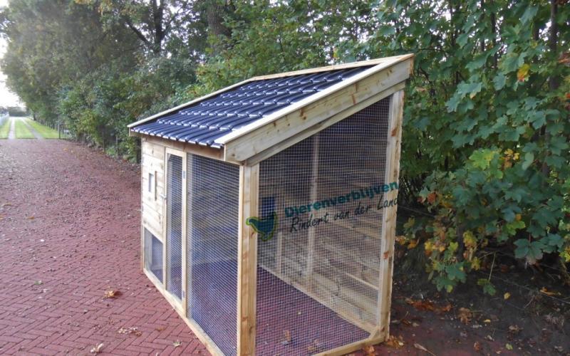 Kippenhok Leeuwarden met dakpannen type C  Kwaliteits dierenverblijven van der Land